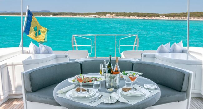 Mangusta-108-Yacht-Ibiza-Barcoibiza-11
