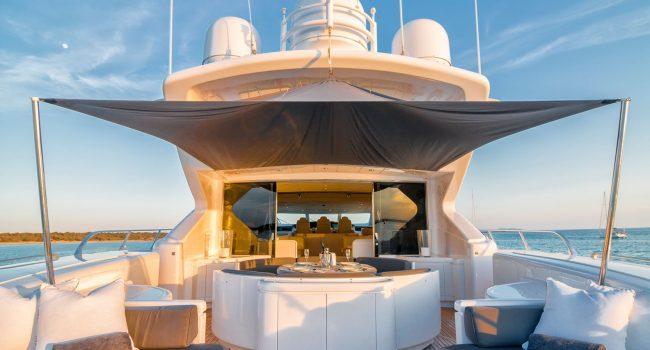 Mangusta-108-Yacht-Ibiza-Barcoibiza-13