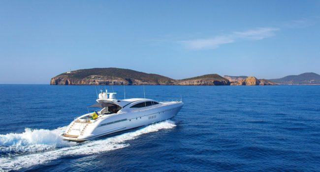 Mangusta-108-Yacht-Ibiza-Barcoibiza-18