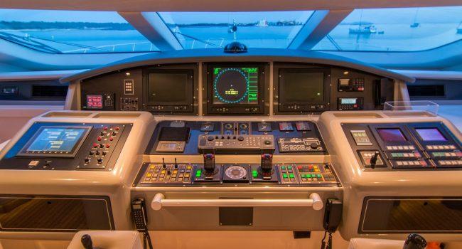 Mangusta-108-Yacht-Ibiza-Barcoibiza-19