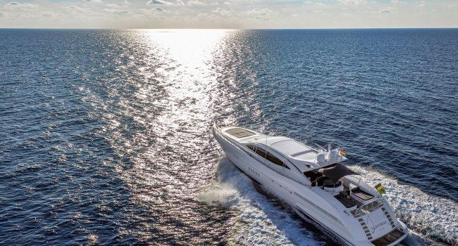 Mangusta-108-Yacht-Ibiza-Barcoibiza-20