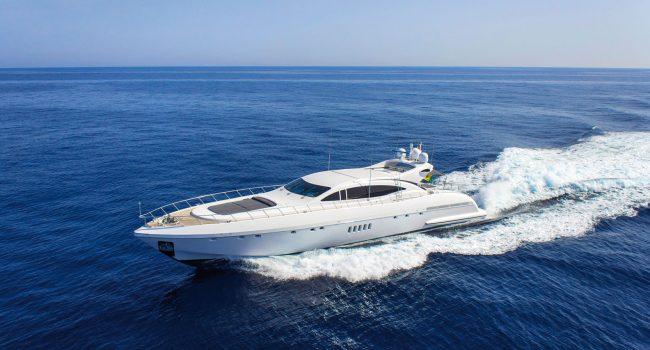 Mangusta-108-Yacht-Ibiza-Barcoibiza-22