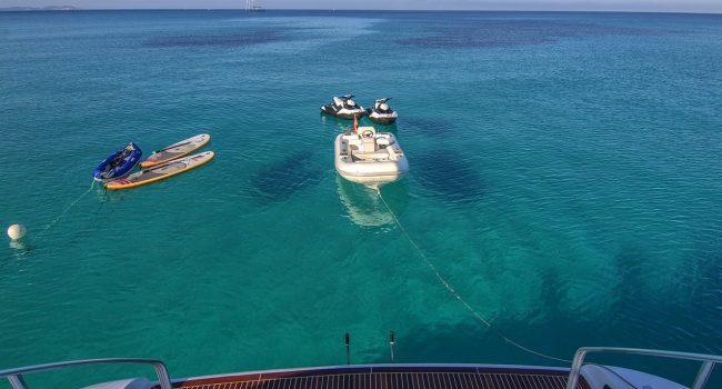 Mangusta-108-Yacht-Ibiza-Barcoibiza-24