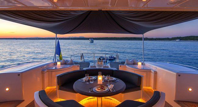 Mangusta-108-Yacht-Ibiza-Barcoibiza-25