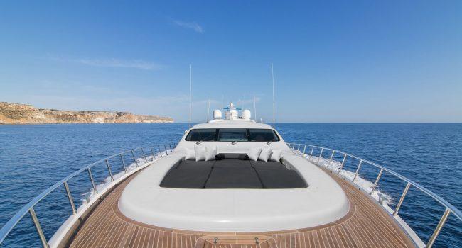 Mangusta-108-Yacht-Ibiza-Barcoibiza-26