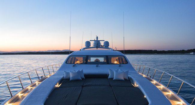 Mangusta-108-Yacht-Ibiza-Barcoibiza-3