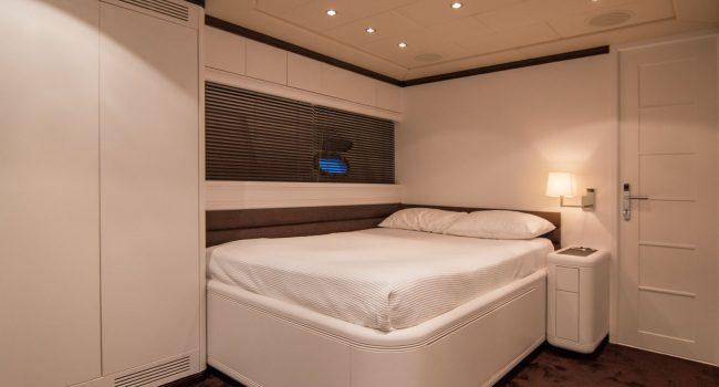 Mangusta-108-Yacht-Ibiza-Barcoibiza-8