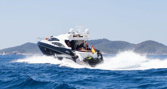 Sunseeker-Predator-74-BJ-Ibiza-Super-Yacht-Rental-12