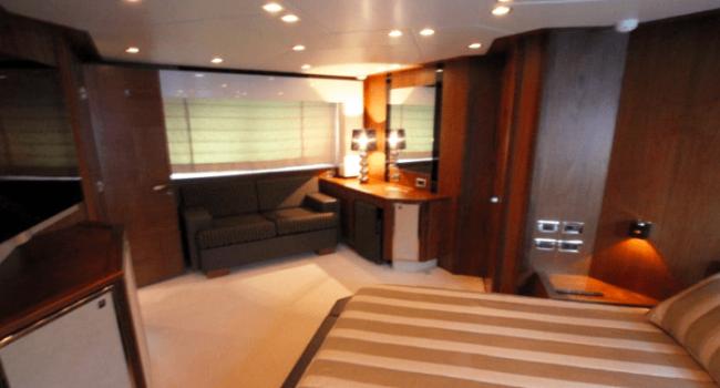 Sunseeker-Predator-92-U-Super-Yacht-Ibiza-Barco-Rental-15