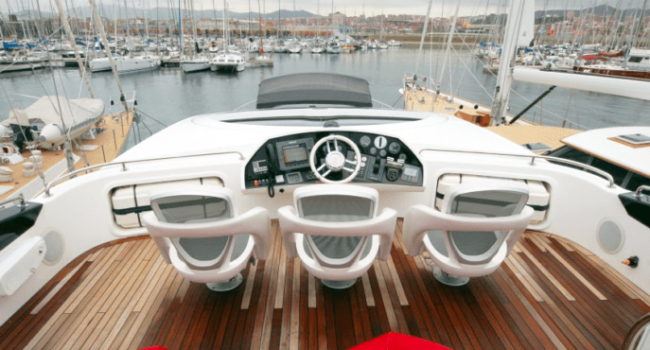 Sunseeker-Predator-92-U-Super-Yacht-Ibiza-Barco-Rental-3