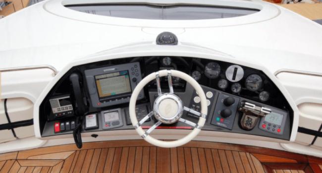 Sunseeker-Predator-92-U-Super-Yacht-Ibiza-Barco-Rental-5