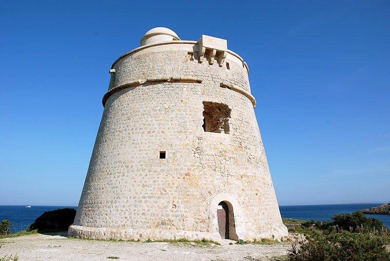 Torre-des-carregador-Ibiza-en-dos-dias