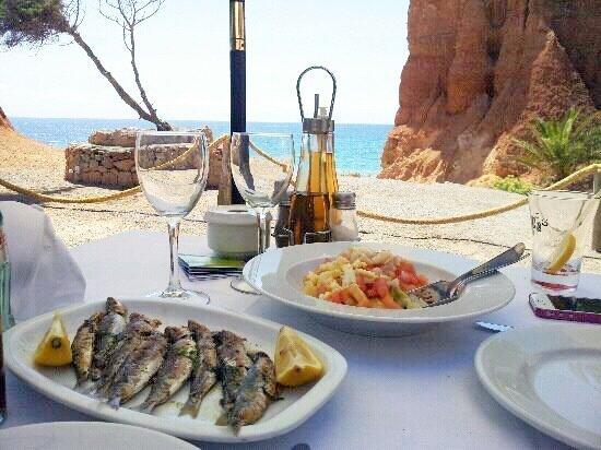 Restaurante-Sa-Caleta-Ibiza-Mesa-Pescado