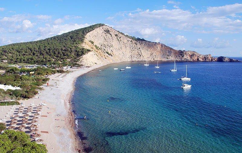 Cala-Jondal-Ibiza-Panoramica