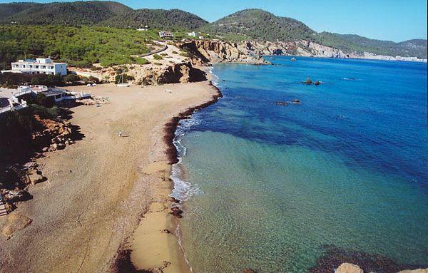 Platja-d-Es-Figueral-Santa-Eularia-d-es-Riu-Ibiza (1)