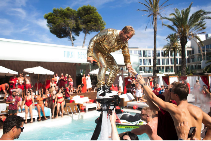 Nikki-Beach-Ibiza-Fly-Board-Show