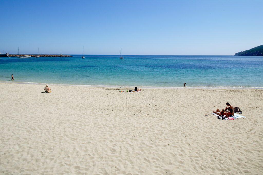 Playa urbana de Santa Eulalia del R'io