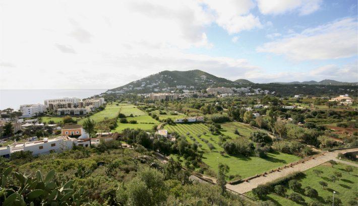 Santa Eulàlia des Riu, tercera ciudad más grande de Ibiza.