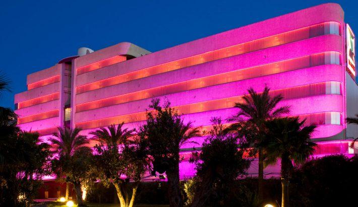 Sumérgete en el universo de las cerezas: El Hotel de Pacha