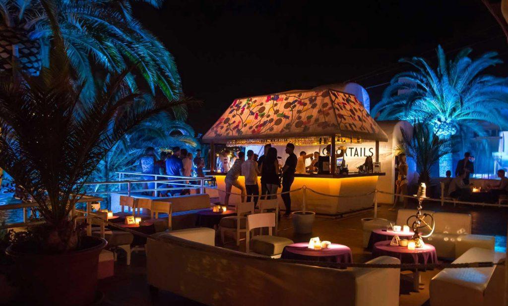 Restaurante-terraza-hotel-pacha
