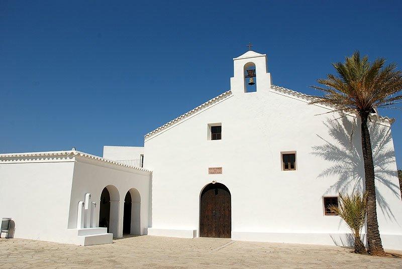 Iglesia_Sant_Vicent_Sa_Cala_Ibiza