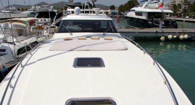 AB58-1-yacht-barcoibiza
