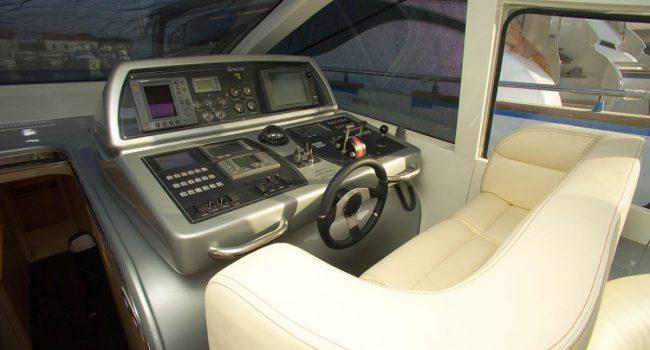 AB58-5-yacht-barcoibiza