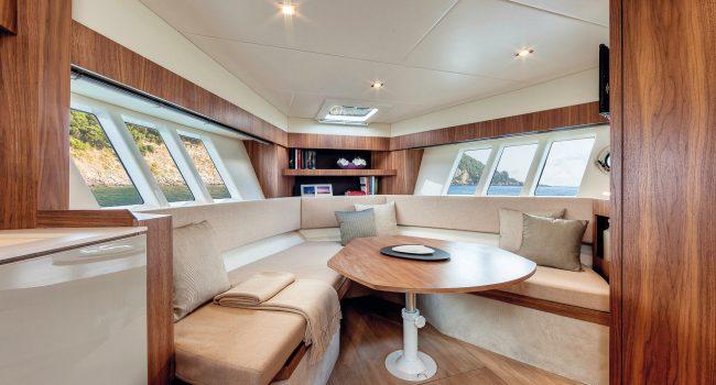 Absolute 40 SLT Yacht Yate Boat Ibiza Barcoibiza-Salon