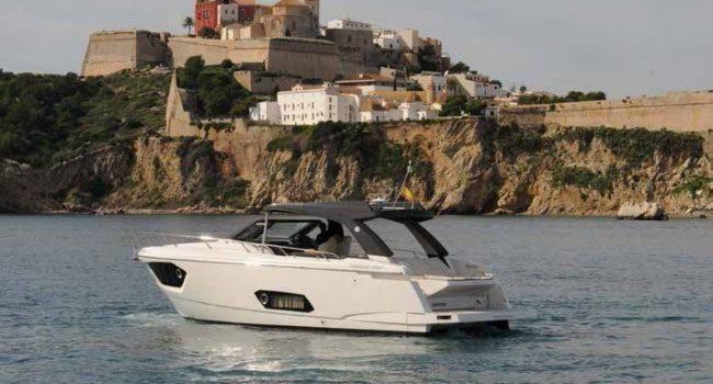 Absolute_BF-13-yachts-barcoibiza