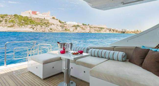 Mangusta 80 Avatar Ibiza Yacht Rental Barcoibiza Popa