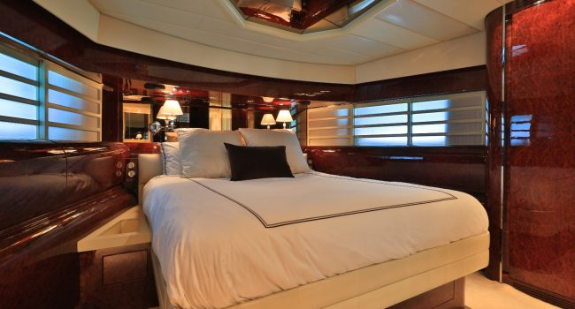 Double Cabin Leopard 89 Disco Volante Ibiza Yacht