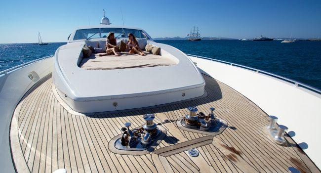 Leopard-89-Yacht-Ibiza-Barcoibiza-5