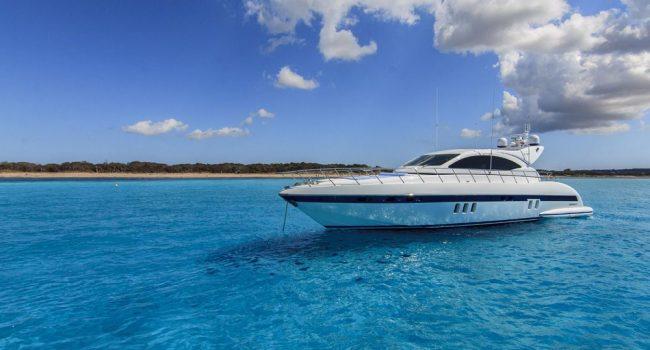 Mangusta-72-GS-Yacht-Ibiza-Barcoibiza-11