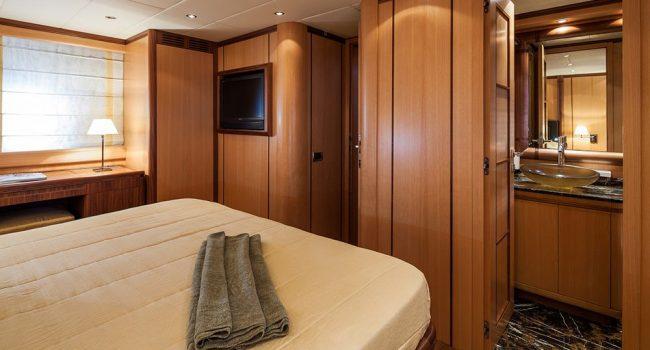 Mangusta-72-GS-Yacht-Ibiza-Barcoibiza-5