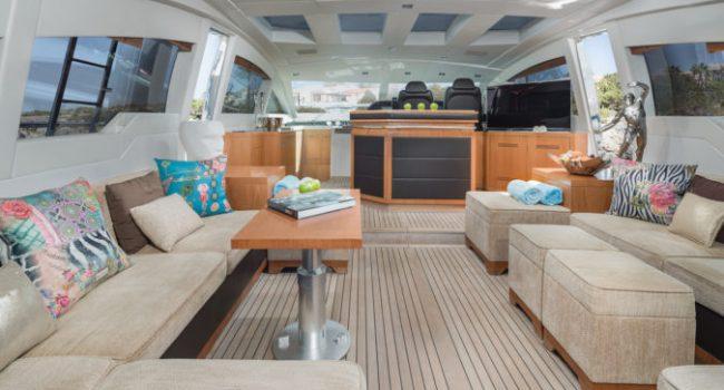 Mangusta 80 Avatar Yacht Barco Ibiza Main Saloon