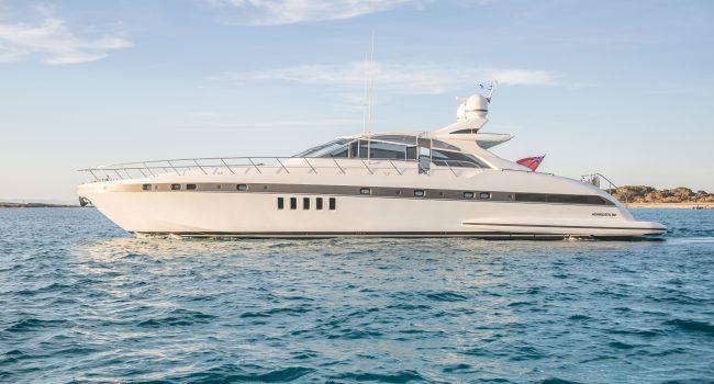 Mangusta-80-D-Yacht-Ibiza-Barcoibiza-1