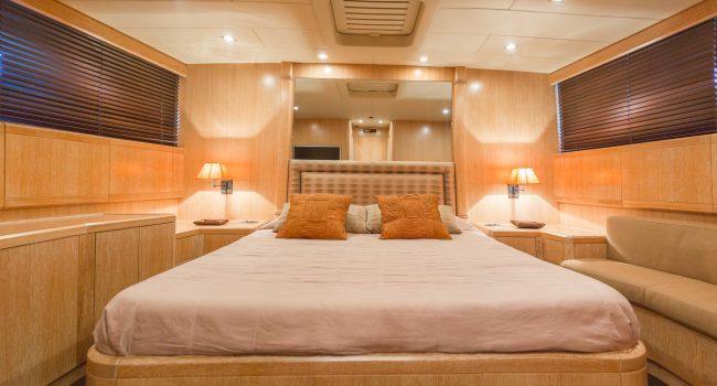 Mangusta-80-D-Yacht-Ibiza-Barcoibiza-4