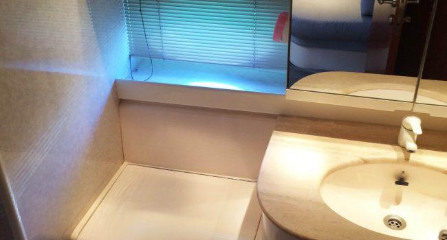 Pershing 45 Jajo Ibiza Yacht Rental Barcoibiza Alquiler Bathroom