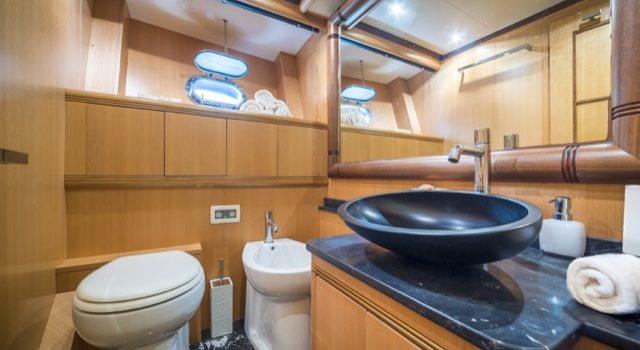 Yacht Mangusta 72 Gaia Sofía Ibiza Rental Yacht Barcoibiza-47