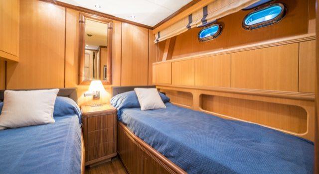 Yacht Mangusta 72 Gaia Sofía Ibiza Rental Yacht Barcoibiza-59