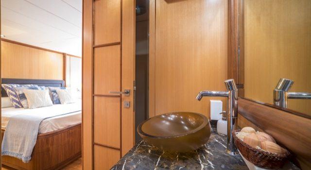 Yacht Mangusta 72 Gaia Sofía Ibiza Rental Yacht Barcoibiza-67