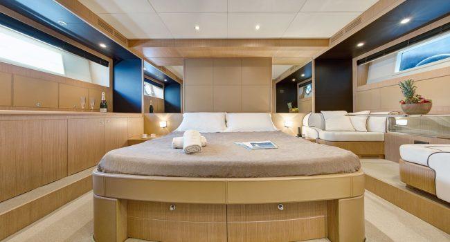 14 Riva Venere 75 P Main Cabin
