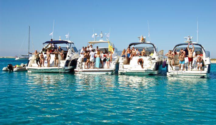 Orientación para alquilar un barco en Ibiza según el número de pasajeros