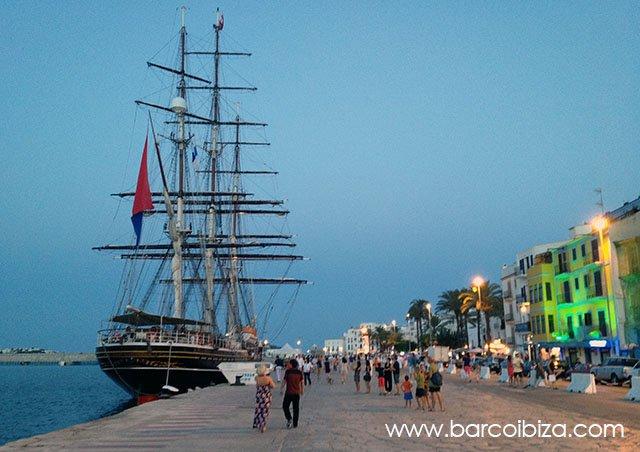 Barrio de la Marina en Ibiza centro, con Barcoibiza.com