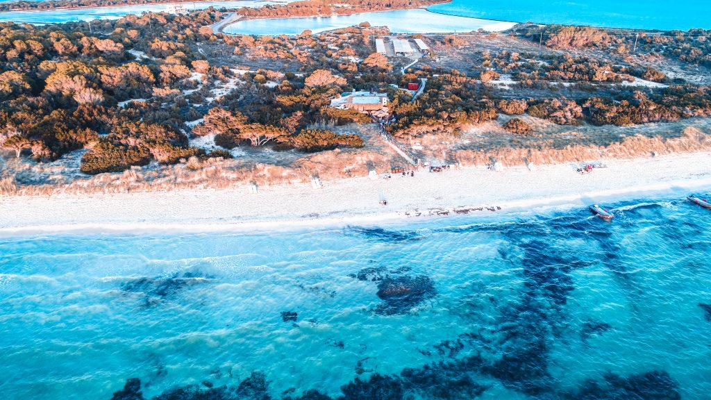 Playa Cavall den Borras Illetas Formentera Beso Beach Barcoibiza