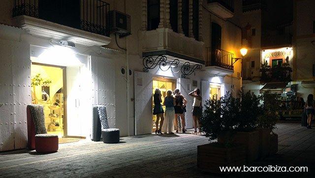 Callecita_Ibiza_Tiendas_Barcoibiza