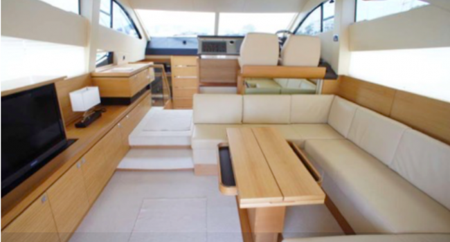 Fairline Phantom 48 Ibiza Yate Barco Alquiler Barcoibiza Salon