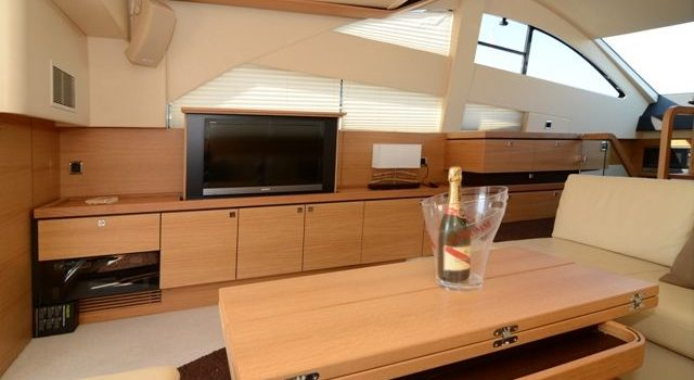 Fairline-Phantom-48-Motoryacht-Barcoibiza-13