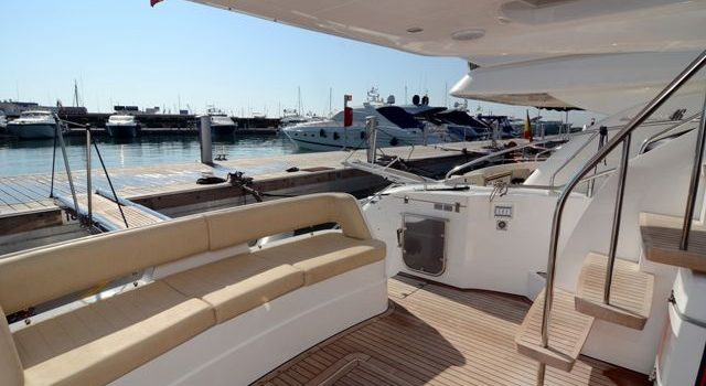 Fairline-Phantom-48-Motoryacht-Barcoibiza-17