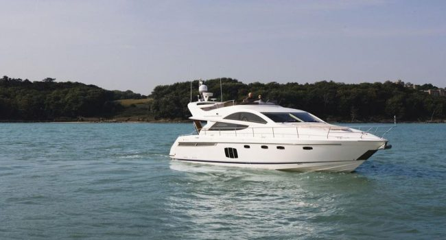 Fairline-Phantom-48-Motoryacht-Barcoibiza-4